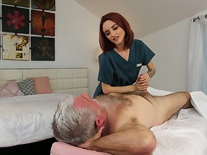 Yummy red haired masseuse Lola Fae gets herald with old client