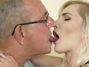 Teen smoothie Tyna Gold sucks and rides an old man's cock