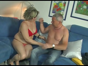 Mature woman gives her head and gets her pussy nailed permanent